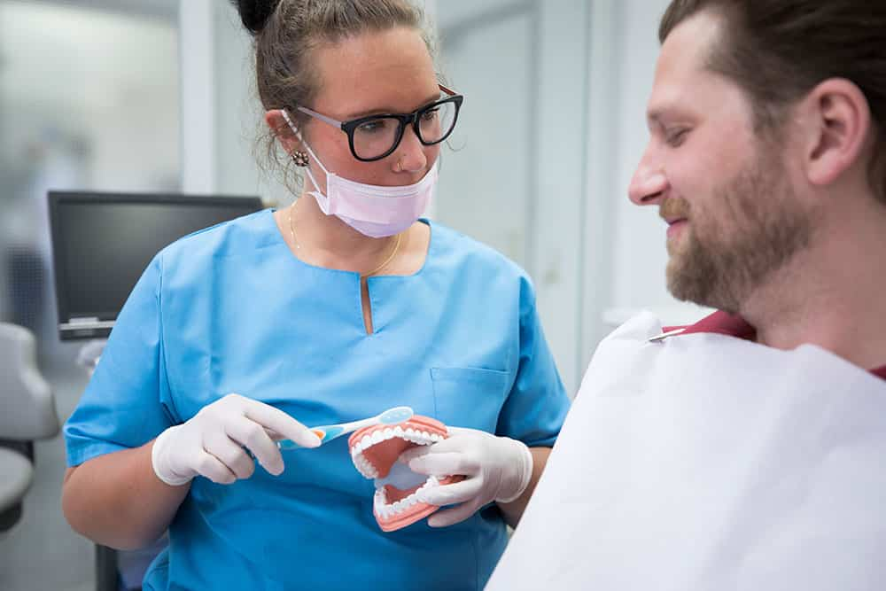 Praxisgalerie Patient und Zahnputztechnik
